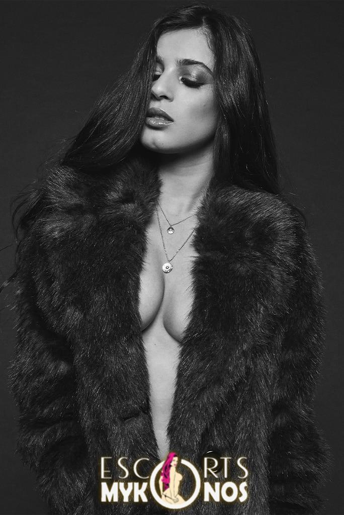 Model Mykonos - Vanessa